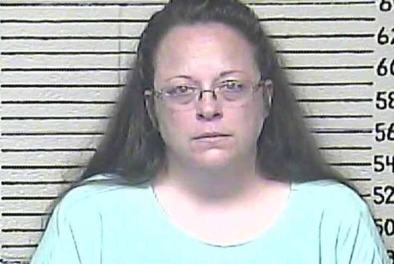 Kim Davis complains of 'furious, fist-pounding, homosexual men' in new book