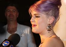 Kelly Osbourne: 'everybody's gay' & she's 'open to loving anybody'