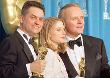 Director of 'Silence of the Lambs' & 'Philadelphia' Jonathan Demme dead at 73