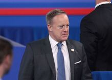 Sean Spicer's ignorance about the Holocaust is dangerous