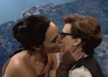 Gal Gadot kisses Kate McKinnon in 'Wonder Woman' spoof