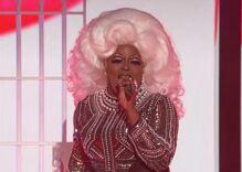 'Voice' contestant Chris Weaver's drag performance has everyone talking