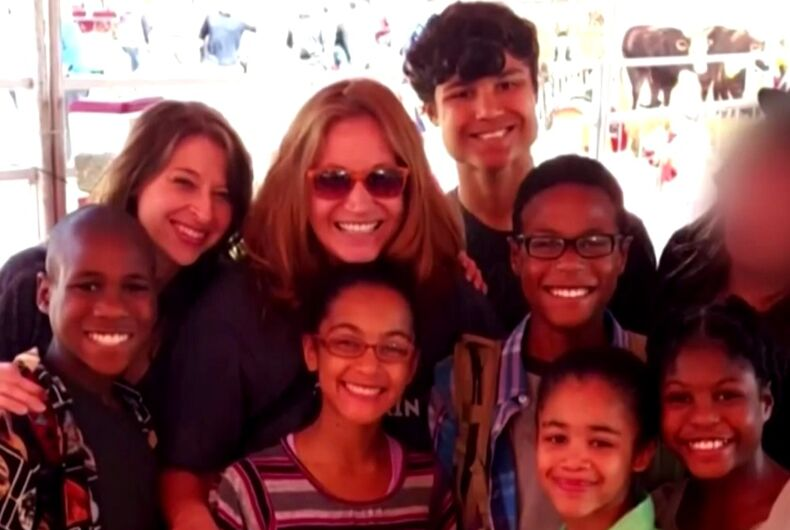 Lesbian moms likely killed themselves & their 6 kids by driving car off cliff