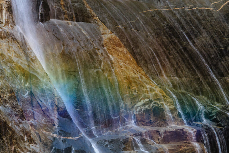 Reddit can't stop sharing this video of the rainbow waterfall at Yosemite