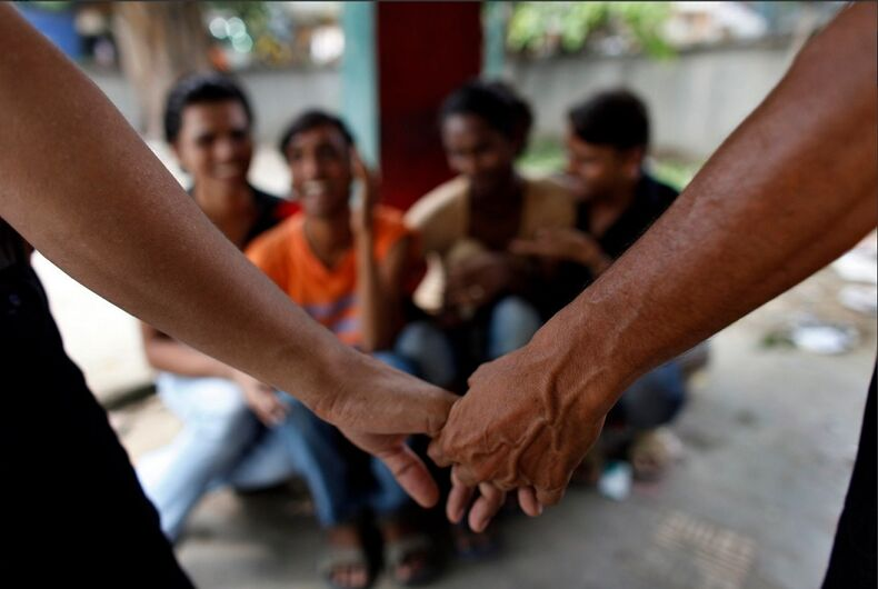india-hands-holding