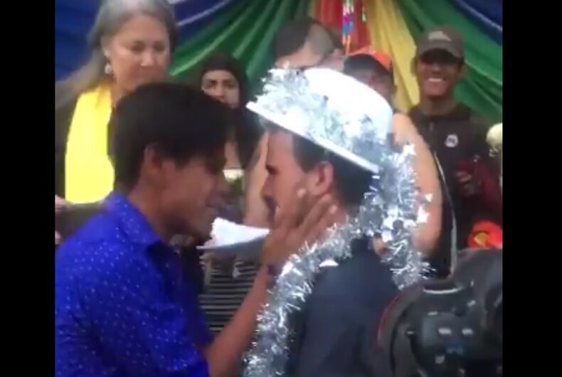Two men geting married