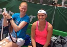 Lesbian couple kicks butt & makes history as Wimbledon doubles partners