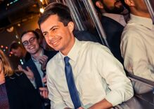 Pete Buttigieg is winning over both Republicans & Democrats behind-the-scenes