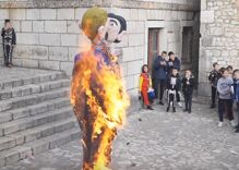 """Town burns effigy of kissing gay couple holding a child as part of carnival """"celebration"""""""