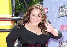 """Hairspray"" star Nikki Blonsky comes out as gay on TikTok"