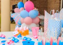 """Amazing parents throw a """"gender reveal"""" party for their 17-year-old non-binary son"""