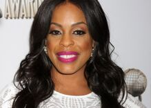Actor Niecy Nash comes out & introduces the world to her new wife