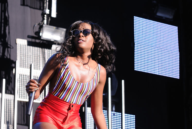 Did Azealia Banks just dig up her dead cat & eat it? It ...