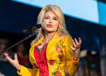 """Obama says he'll """"call Biden"""" to make sure Dolly Parton gets the Presidential Medal of Freedom"""