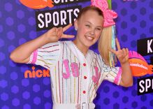 Dozens of police called to teen sensation JoJo Siwa's home after she comes out online