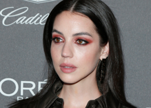 """Reign"" & ""Teen Wolf"" star Adelaide Kane comes out as bisexual on TikTok"