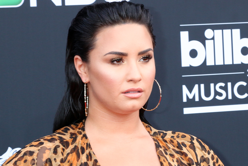 "Demi Lovato helps explain why ""gender reveal"" parties are transphobic"