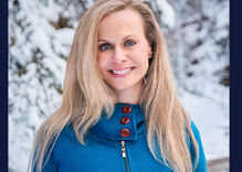 Lisa Murkowski's GOP primary challenger is an anti-LGBTQ zealot opposed to medicine & vampires