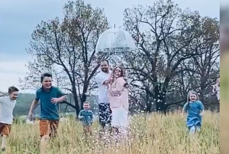Josh Duggar, his wife, and his children celebrating the assumed sex of Duggar's seventh child