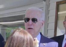 Trump supporter screams racist & antigay slurs at Joe Biden at ice cream shop