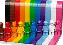 """LEGO releases first LGBTQ Pride set because """"everyone is awesome"""""""