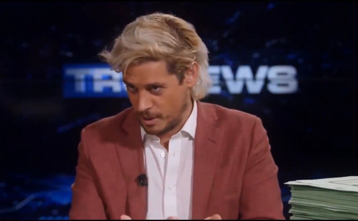 Milo Yiannopoulos guest-hosting the TruNews show