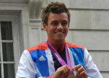 Tom Daley wins his second medal at the Tokyo Olympics. He did it while knitting.