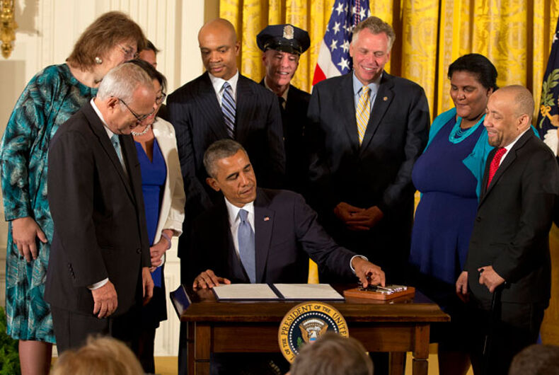 Obama grants workplace protections to LGBT workers of federal contractors